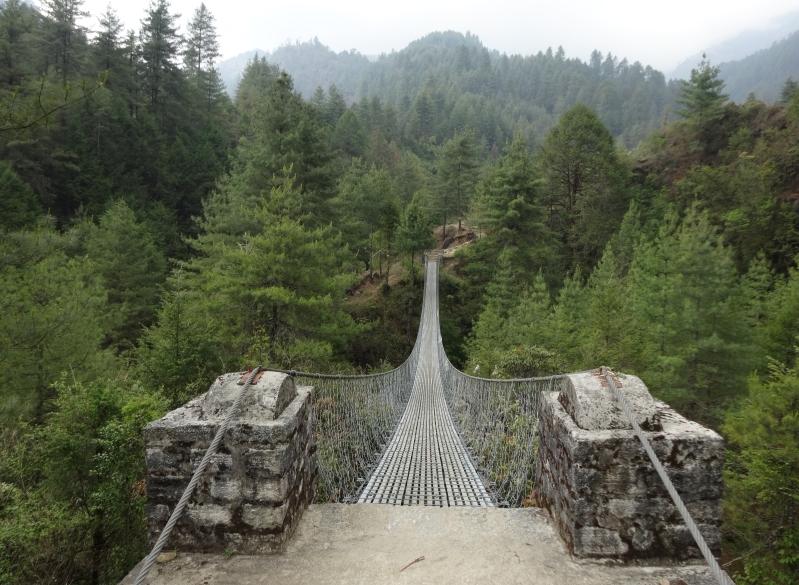 Un des innombrables ponts à traverser