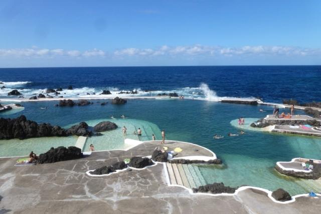 La piscine naturelle aménagée de Porto Moniz