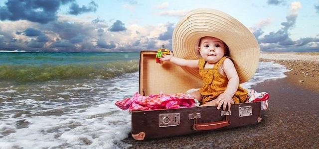petite-fille-dans-valise