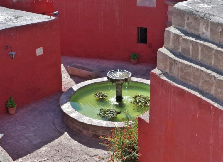 Monastère Santa Catalina Arequipa fontaine