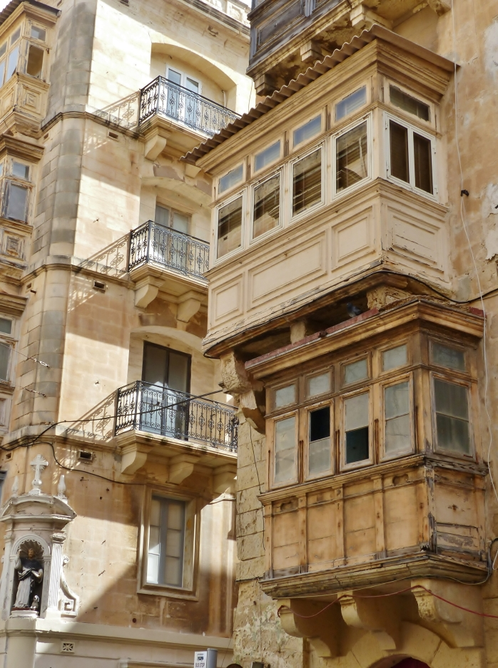 la valette malte balcon