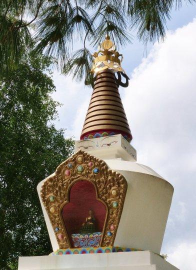 Stupe monastère bouddhiste auvergne